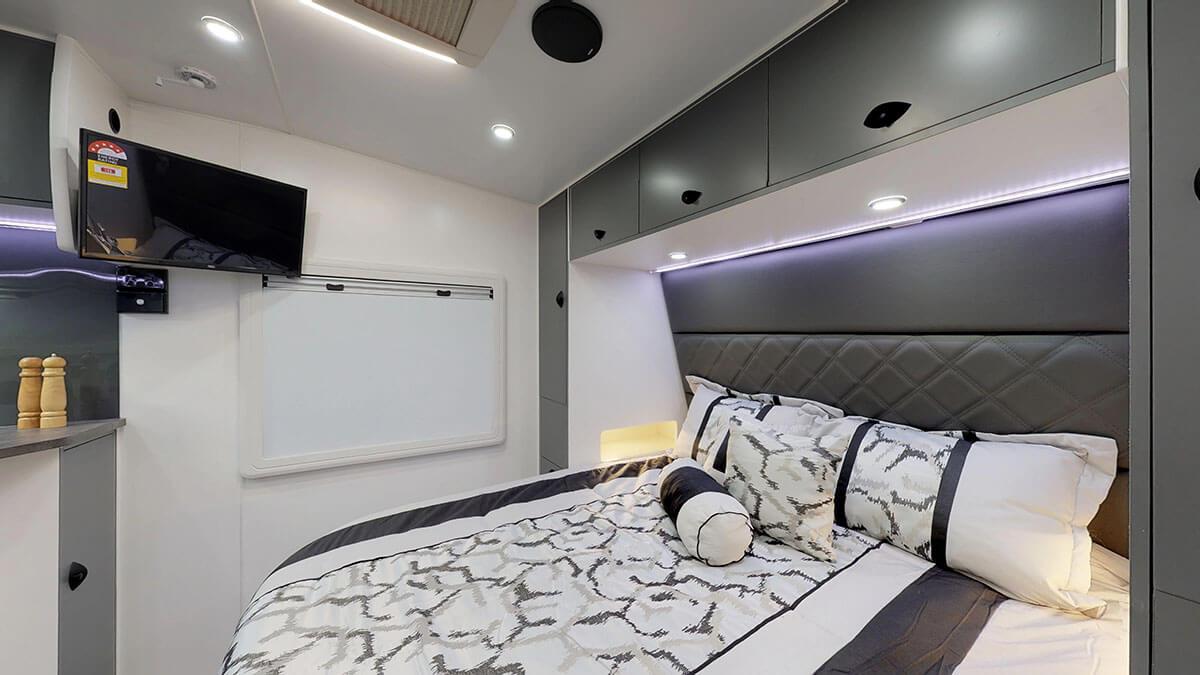 21ft-Platinum-RV-Signature-Offroad-By-Condor-Caravans- (10)