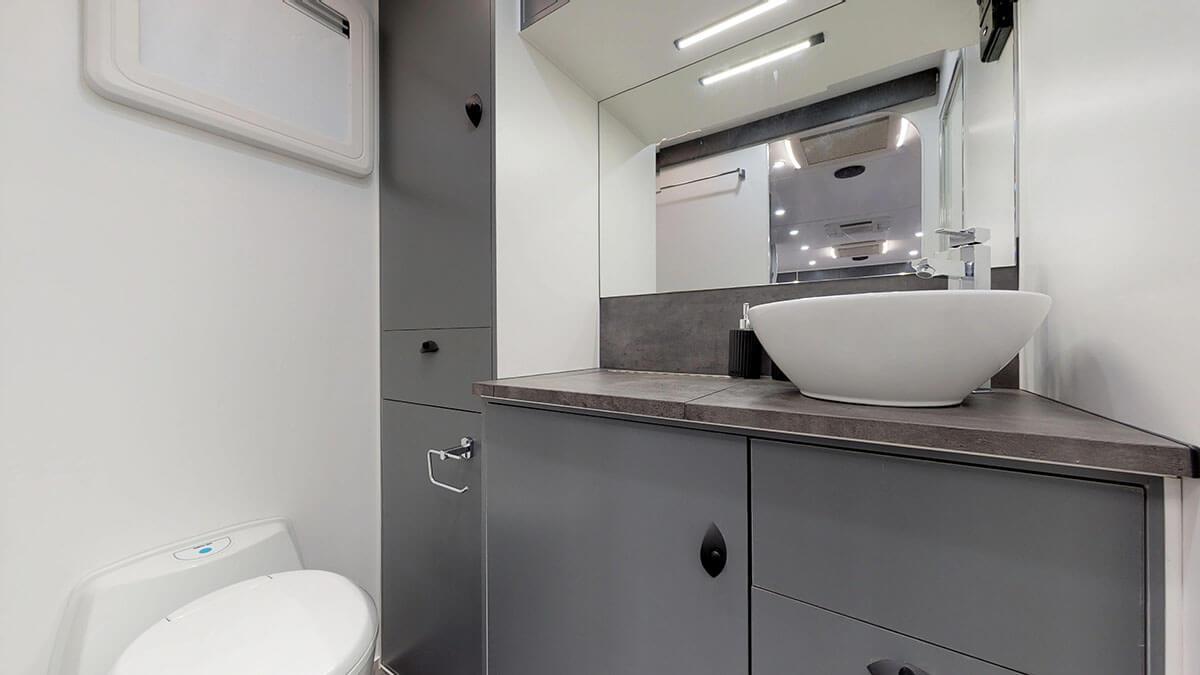 21ft-Platinum-RV-Signature-Offroad-By-Condor-Caravans- (19)