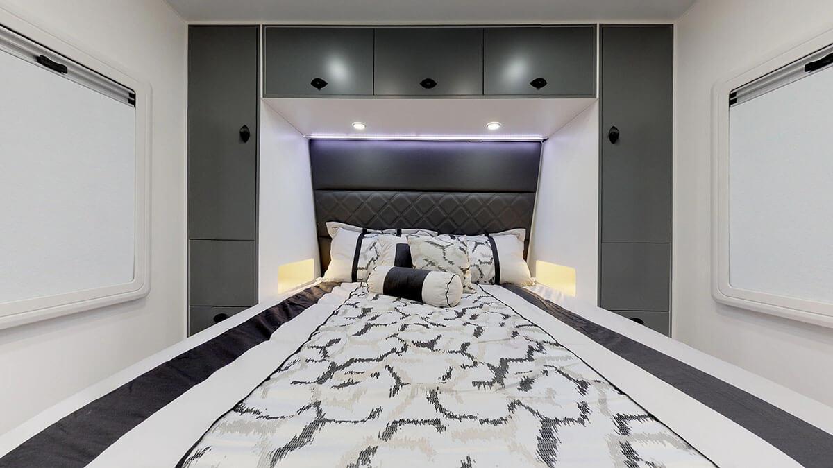 21ft-Platinum-RV-Signature-Offroad-By-Condor-Caravans- (23)
