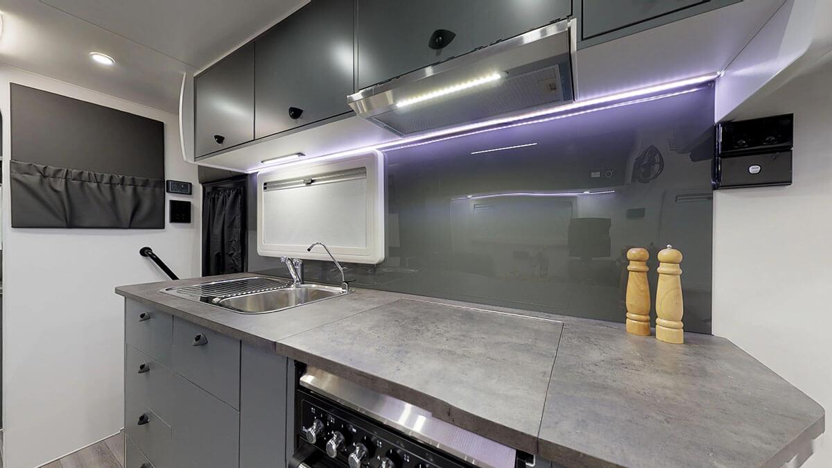 21ft-Platinum-RV-Signature-Offroad-By-Condor-Caravans- (4)