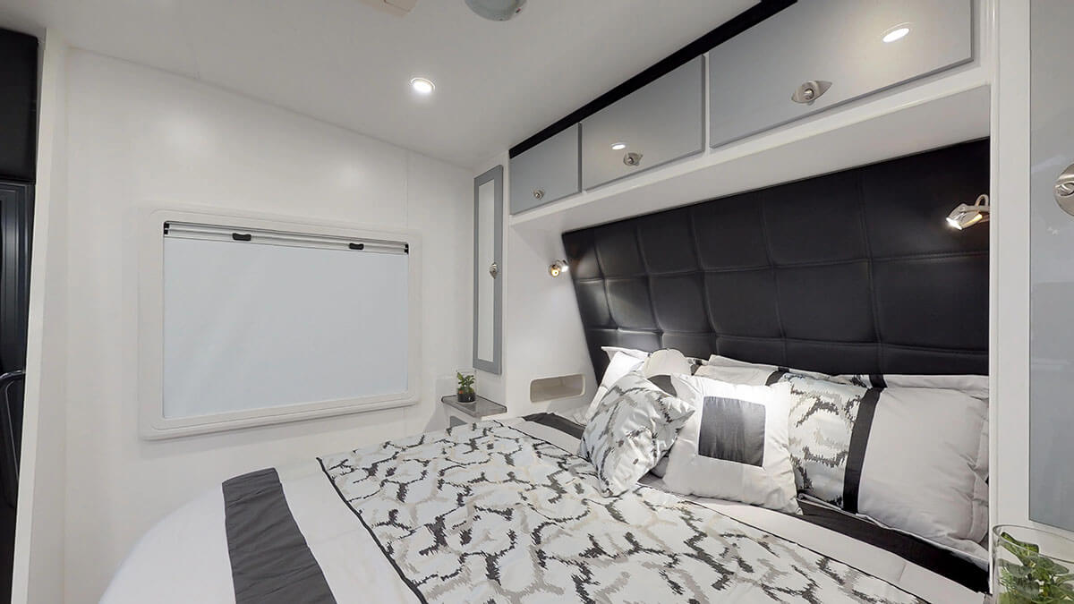 23ft-Ultimate-Family-Design-Family-Bunks15