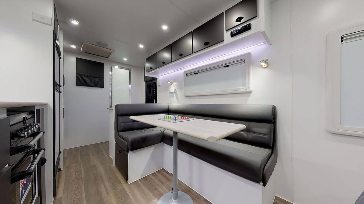 21ft-Ultimate-Family-Design-2019-Condor-Caravans- (11)