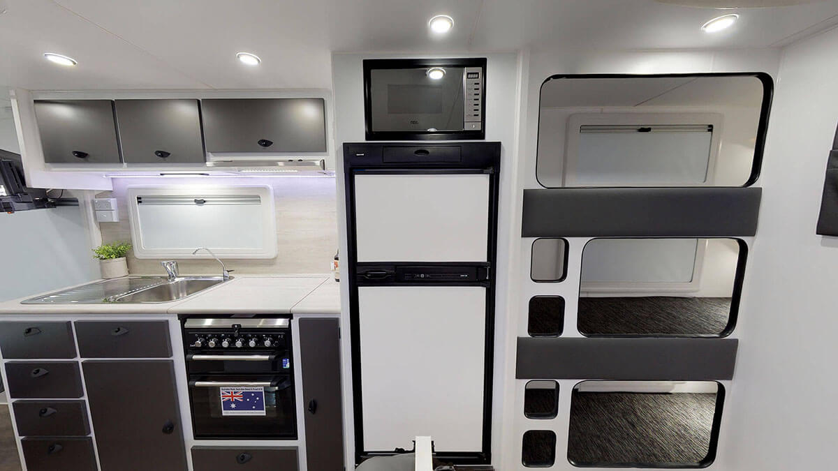21ft-Ultimate-Family-Design-2019-Condor-Caravans- (13)