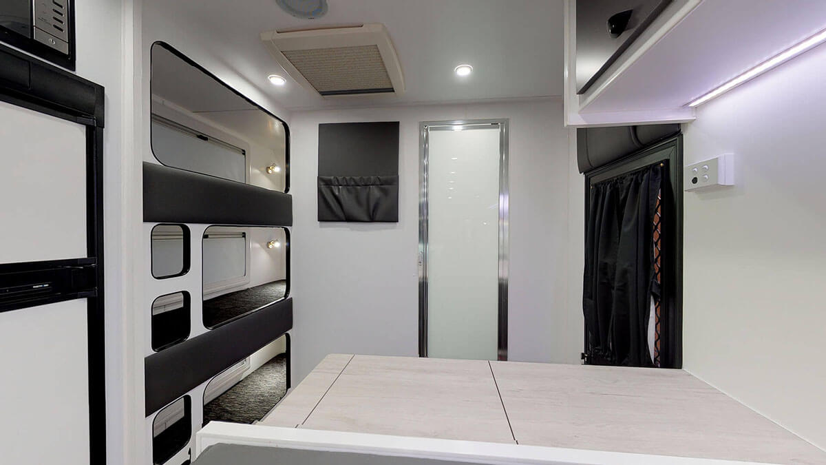 21ft-Ultimate-Family-Design-2019-Condor-Caravans- (15)