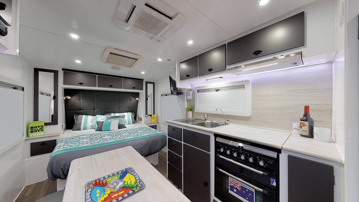 21ft-Ultimate-Family-Design-2019-Condor-Caravans- (2)