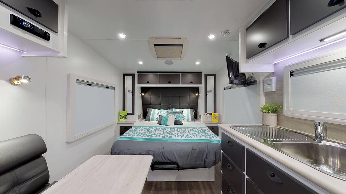21ft-Ultimate-Family-Design-2019-Condor-Caravans- (2B)