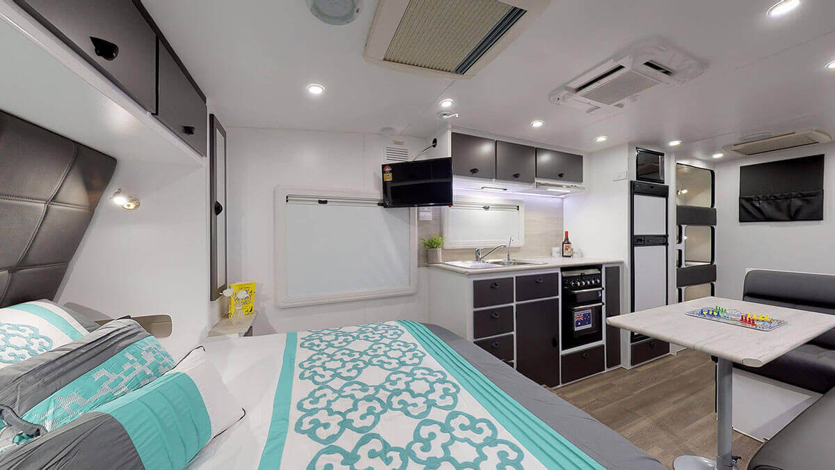 21ft-Ultimate-Family-Design-2019-Condor-Caravans- (4)