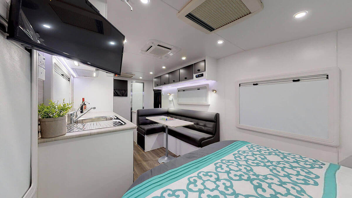 21ft-Ultimate-Family-Design-2019-Condor-Caravans- (5)