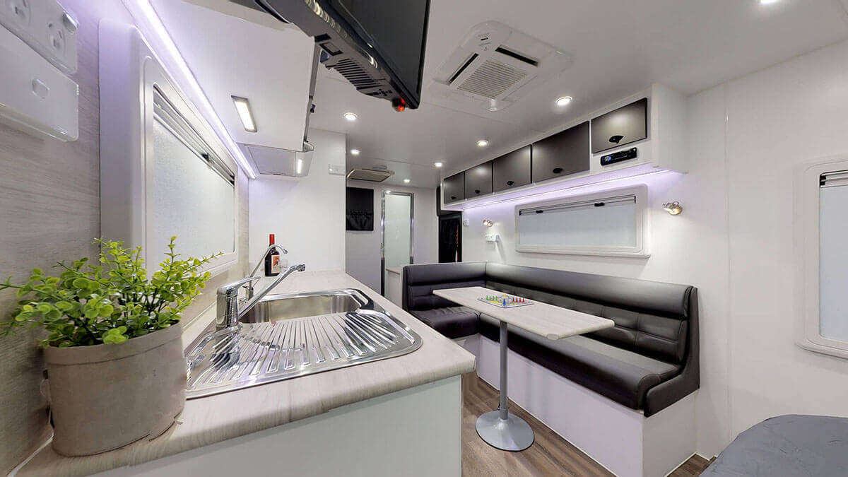 21ft-Ultimate-Family-Design-2019-Condor-Caravans- (6)