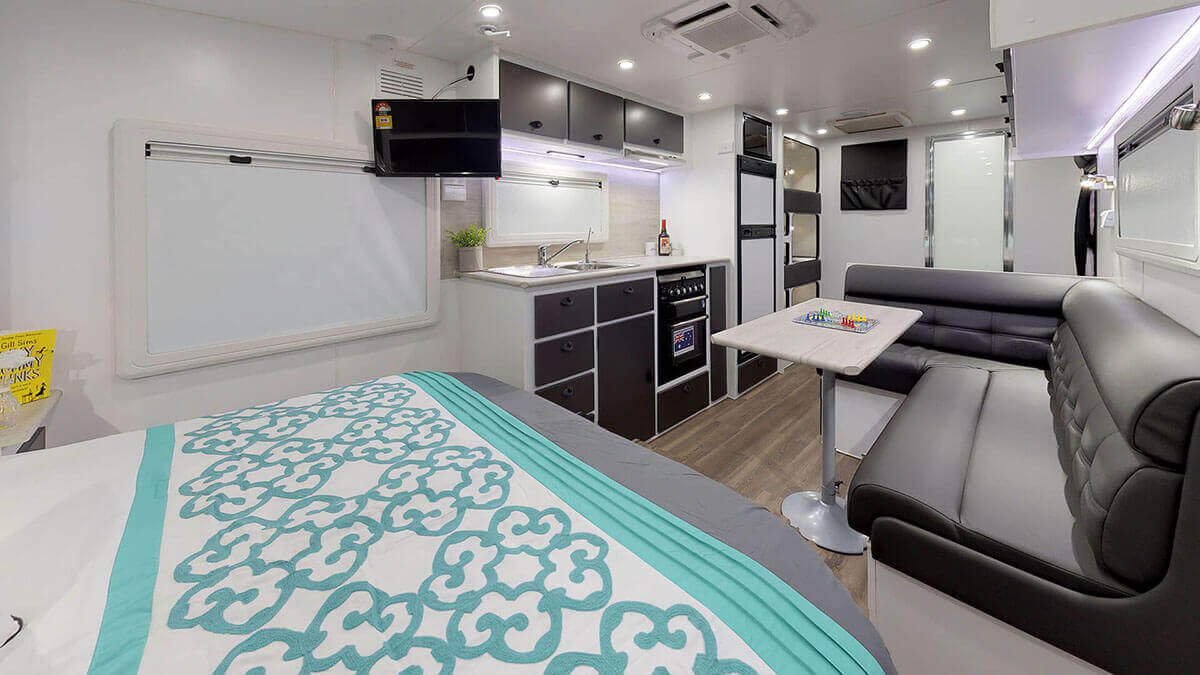 21ft-Ultimate-Family-Design-2019-Condor-Caravans- (7)