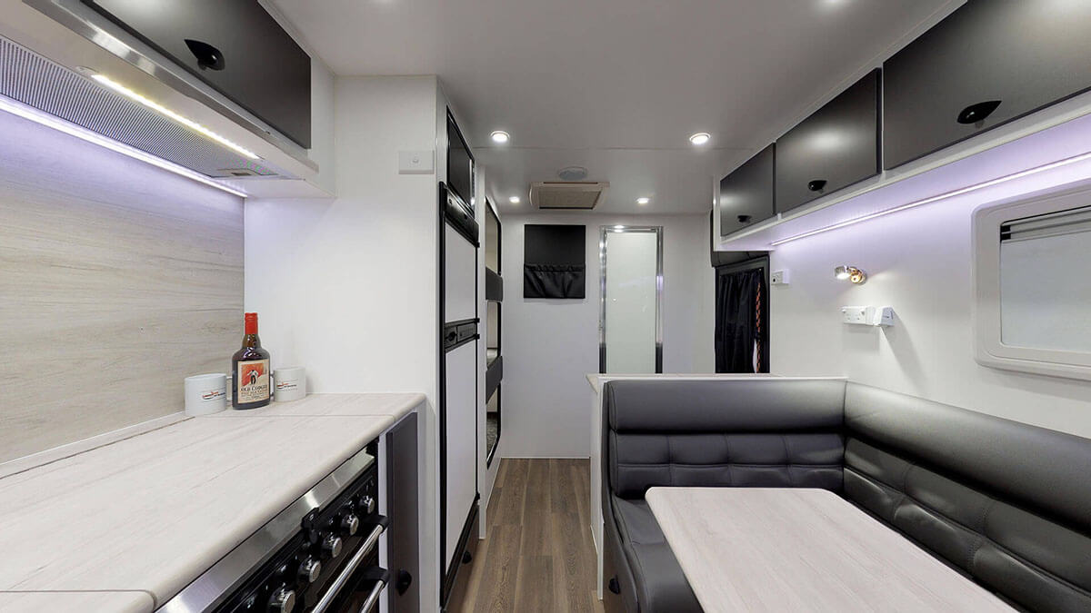 21ft-Ultimate-Family-Design-2019-Condor-Caravans- (7A)