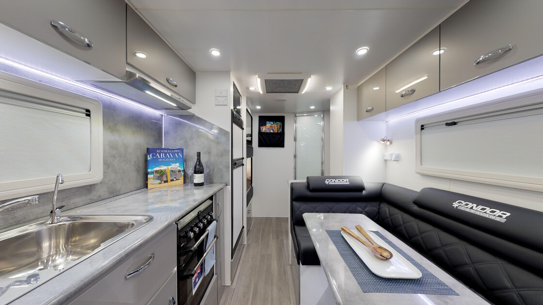 21ft-ultimate-family-design-rear-door-internal-photo-5