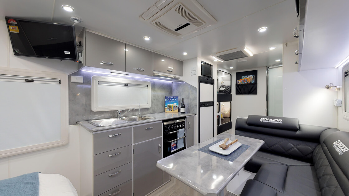 21ft-ultimate-family-design-rear-door-internal-photo-7