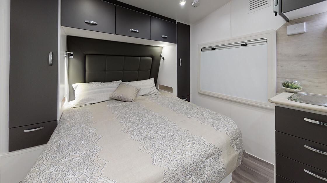 21ft-ultimate-family-design-2021-interior-photo-2