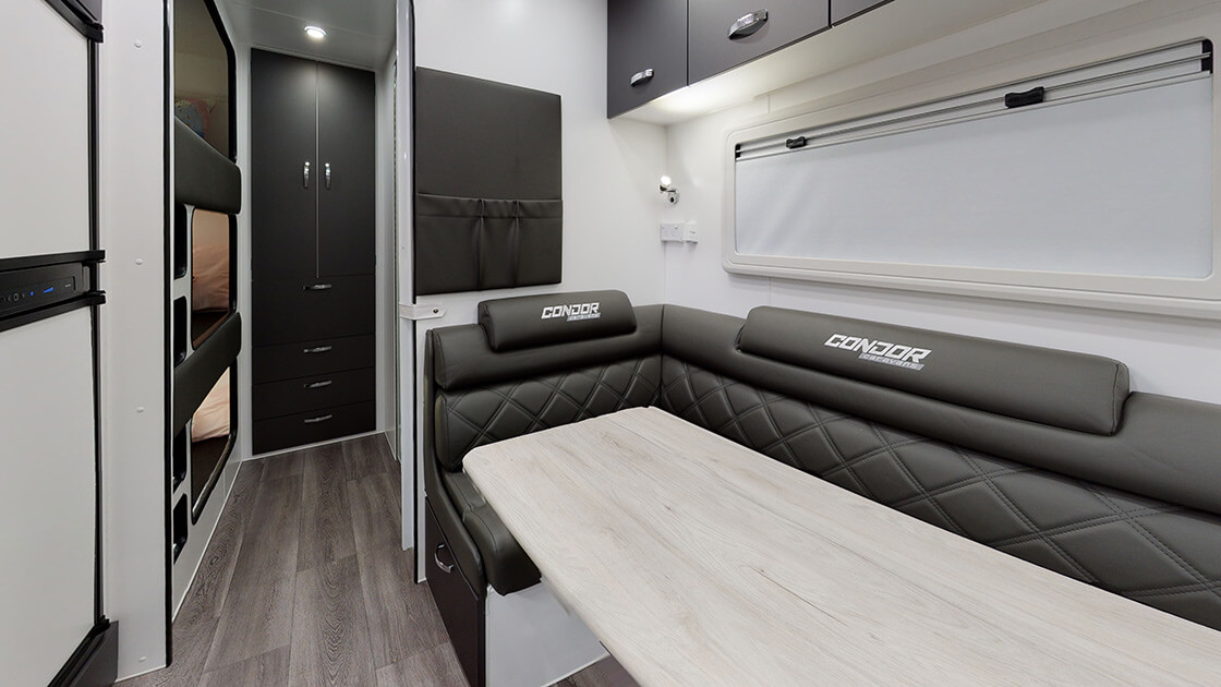 21ft-ultimate-family-design-2021-interior-photo-21