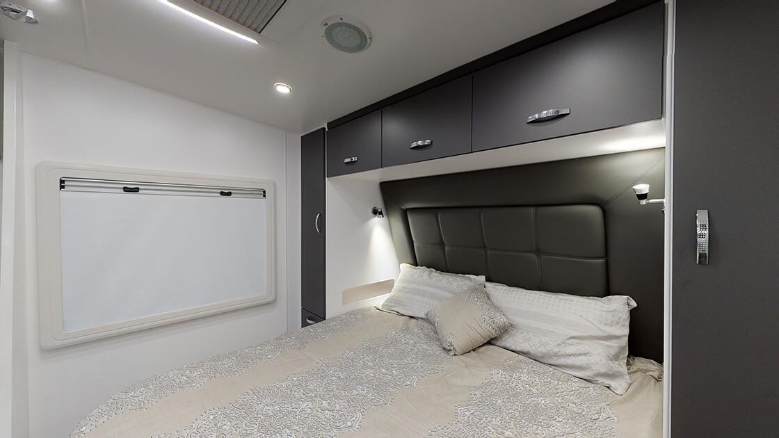 21ft-ultimate-family-design-2021-interior-photo-22