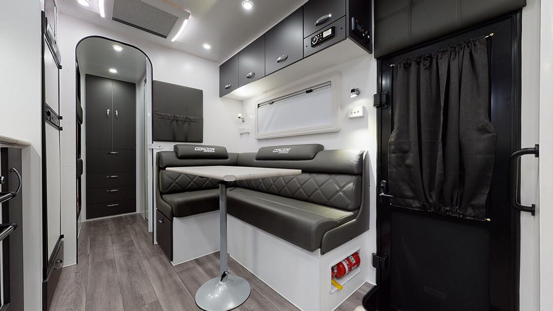 21ft-ultimate-family-design-2021-interior-photo-3