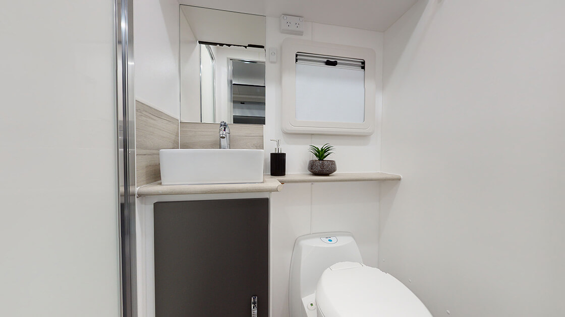 21ft-ultimate-family-design-2021-interior-photo-6