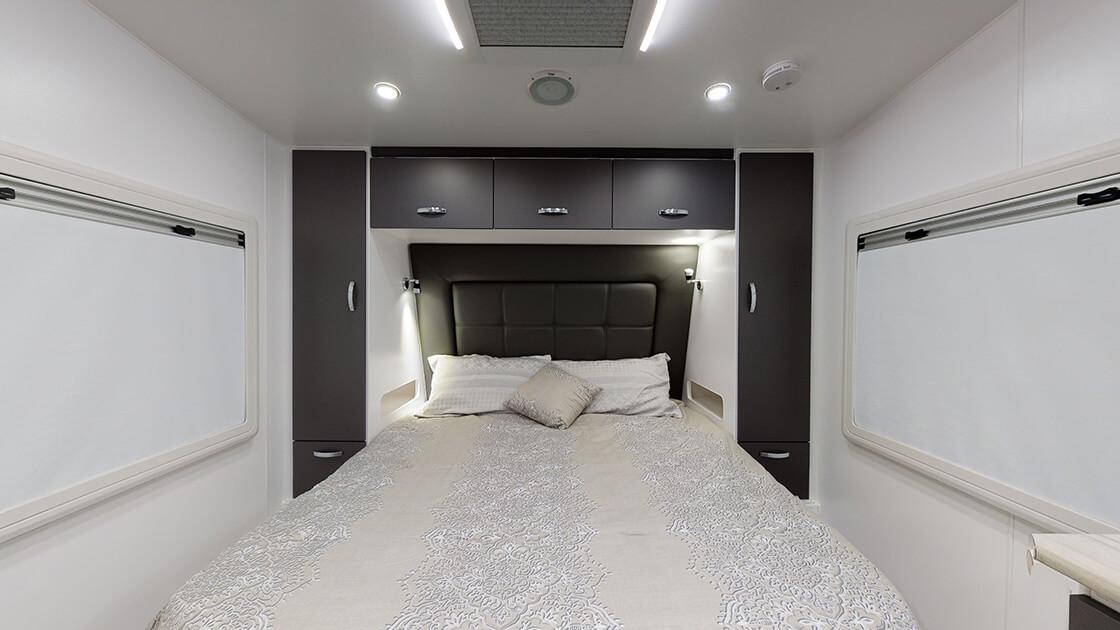 23ft-ultimate-family-design-2021-interior-photo-13