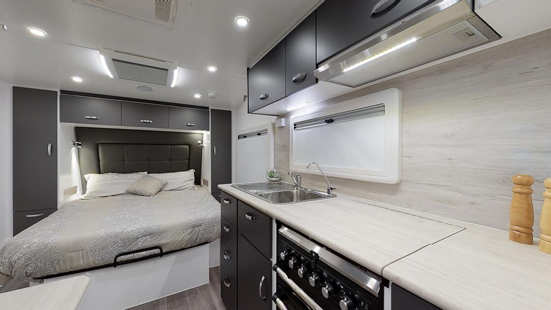 23ft-ultimate-family-design-2021-interior-photo-21