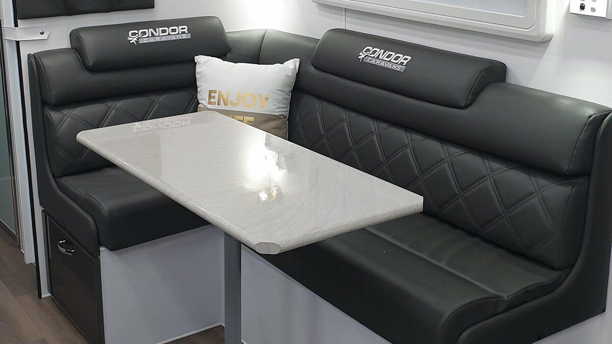 gdg2042-21ft-ultimate-family-design-internal-photo-11
